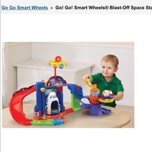 NWT Vtech Go! Go! Smart Wheels® Blast-Off Space Station